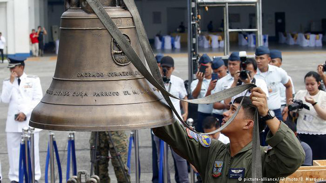 chuông quý của người Philippines đã được quay về với người dân nước này  sau màn đòi dân mỹ Chuong-1