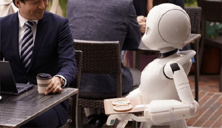 robot phục vụ tại quán cafe