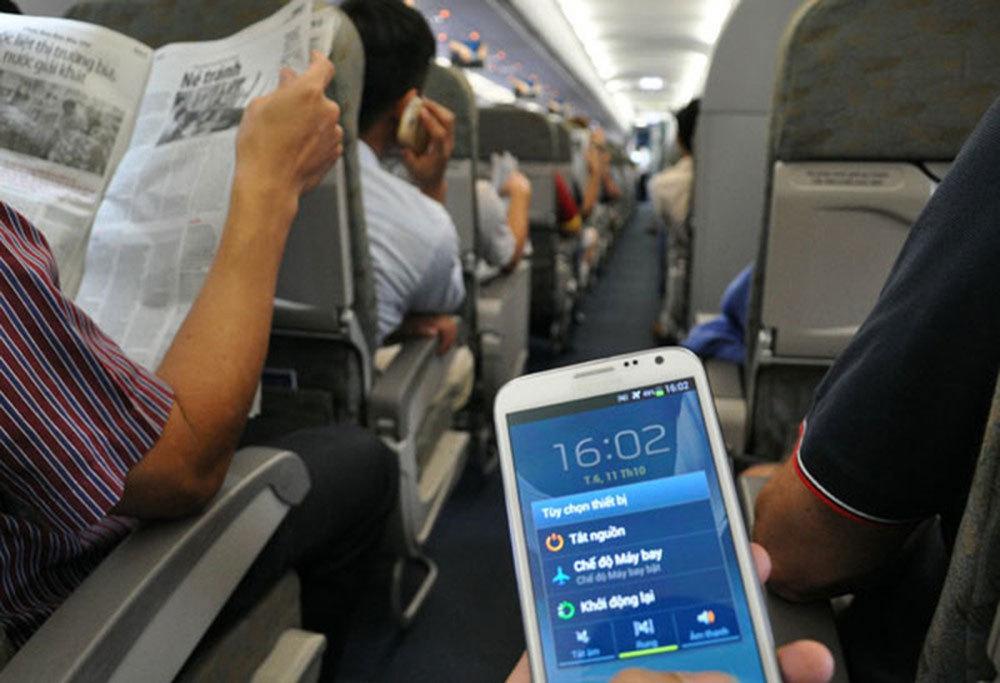 chuông điện thoại vang lên trên máy bay khi hạ cánh