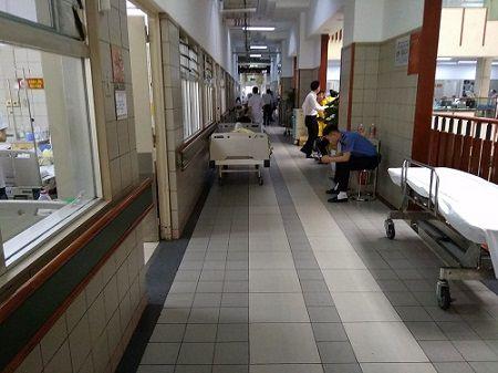 Lợi ích hiệu quả của chuông gọi y tá không dây lắp đặt tại bệnh viện Bạch Mai Nhan-xet-cua-chi-tra-ve-he-thong-chuong-goi-y-ta-khong-day-tai-benh-vien-bach-mai-3