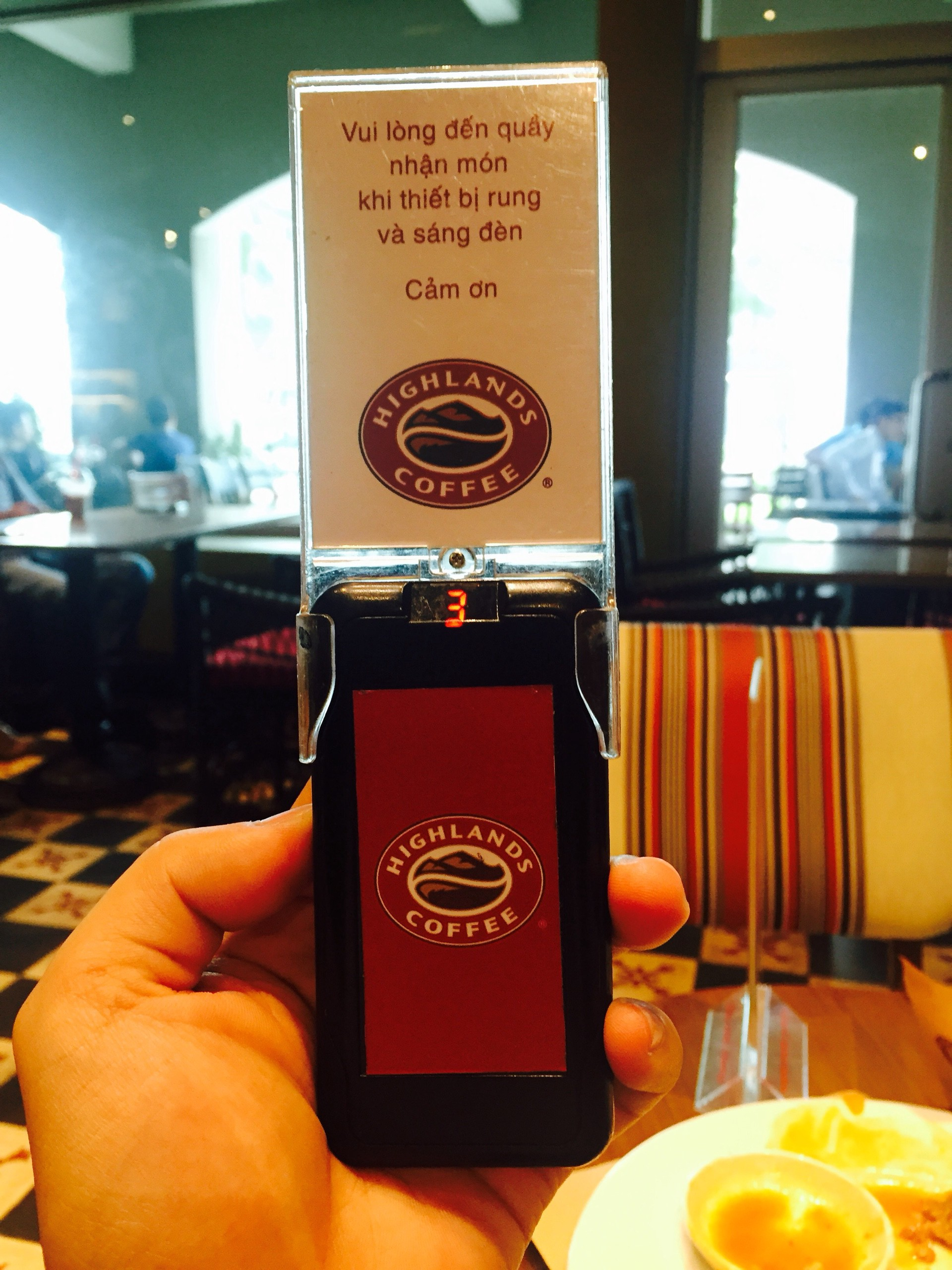 lắp đặt thẻ rung tự phục vụ cho các quán cafe