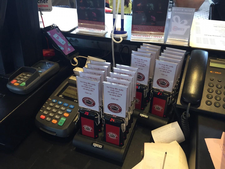 thiết bị thẻ báo rung tự phục vụ được yêu thích hiện nay