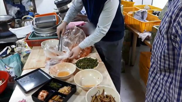 Thâm Nhập Những Quán Đồ Ăn Nhanh, Đồ Ăn Online Tại Hàn Quốc Và Sự Thật Bất Ngờ
