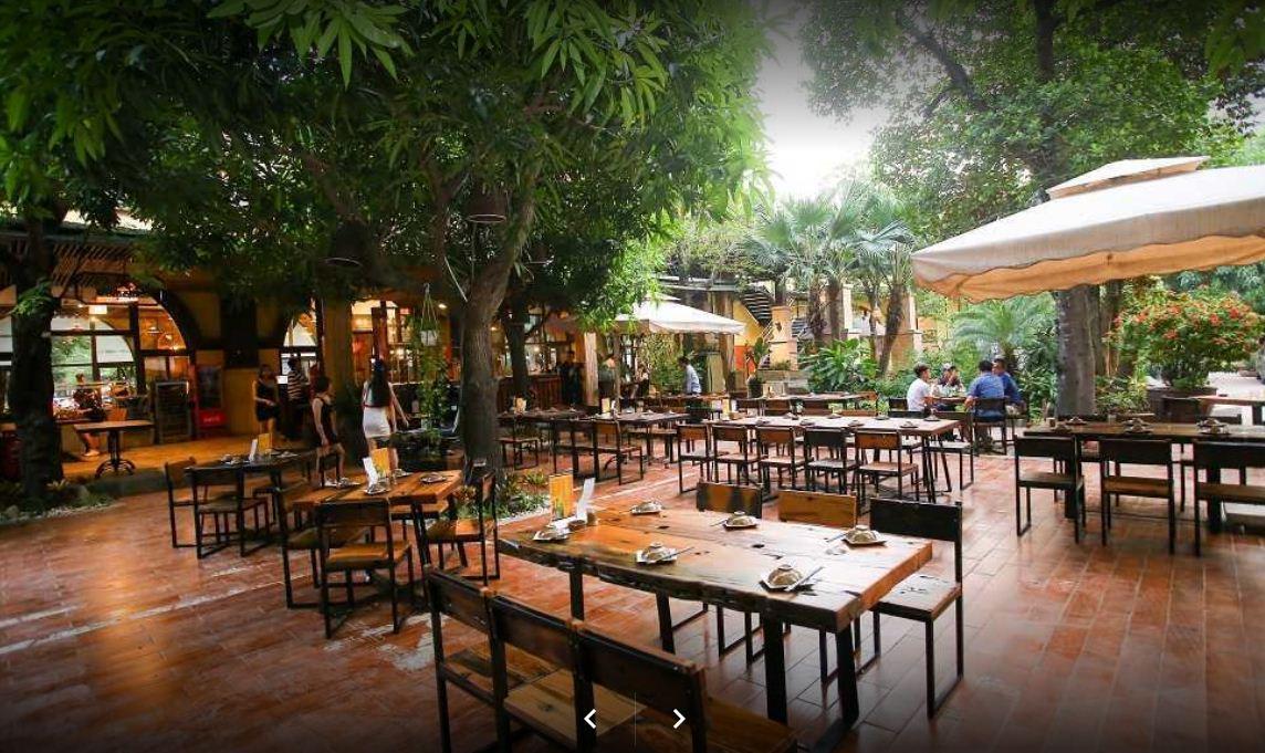 không gian nhà hàng thế giới bia ngoài trời