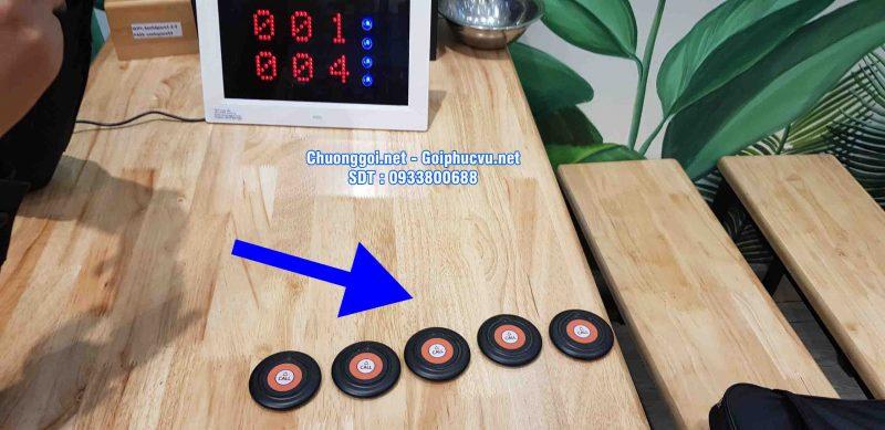 nút chuông gọi phục vụ tại quán Xanhspace