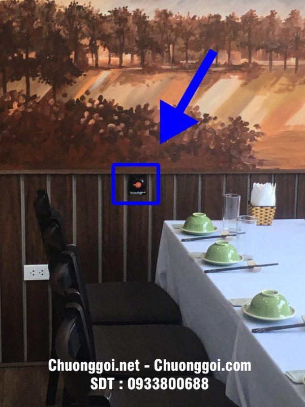 nút chuông gọi tại nhà hàng sông quê
